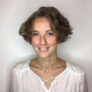 Chiropractor Lymington Amy